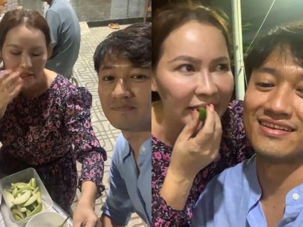 Livestream cùng bà xã tại quê nhà, vợ chồng Quý Bình vướng nghi vấn đã có 'tin vui' vì chi tiết này