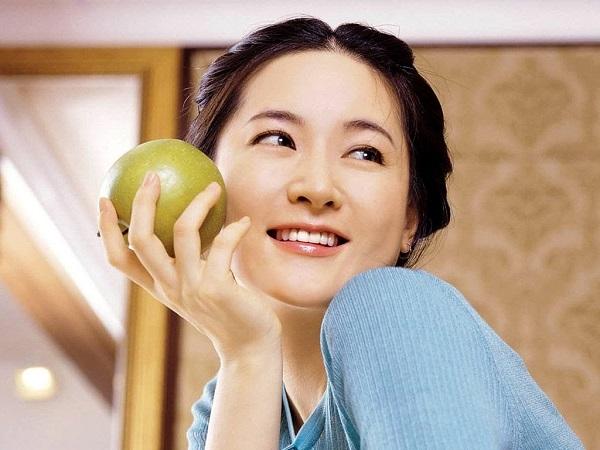 Mẹo chăm sóc da và tóc khoẻ mạnh chỉ bằng giấm táo
