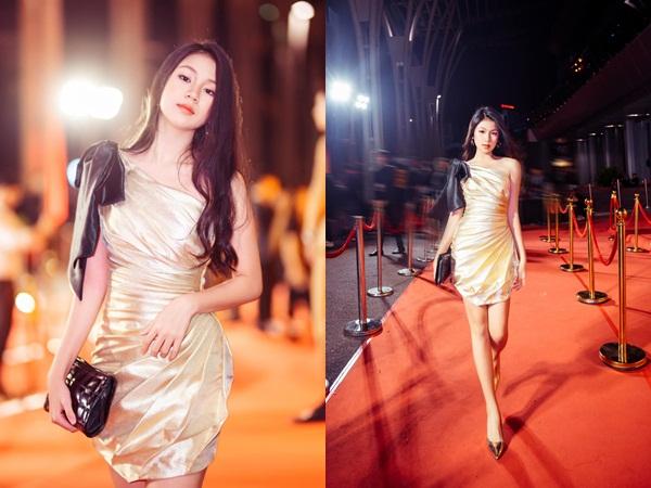 Ngẩn ngơ trước nhan sắc con gái 16 tuổi của Lưu Thiên Hương, lại một hoa hậu tương lai của Vbiz