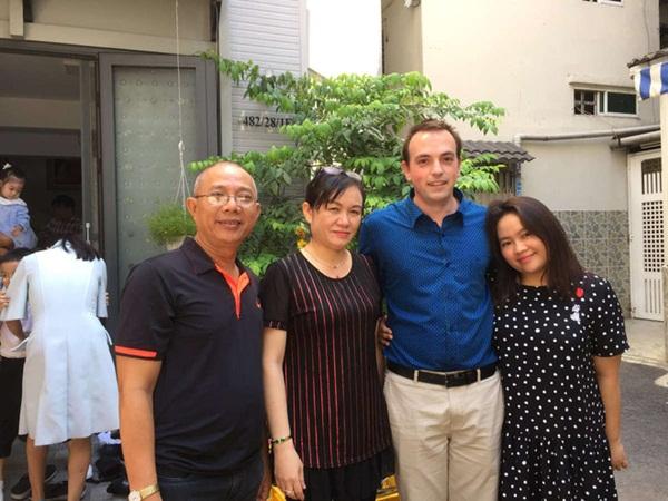 Nghệ sĩ Trung Dân sốc, phải họp mặt gia đình 3 lần khi con gái muốn lấy chồng ngoại quốc