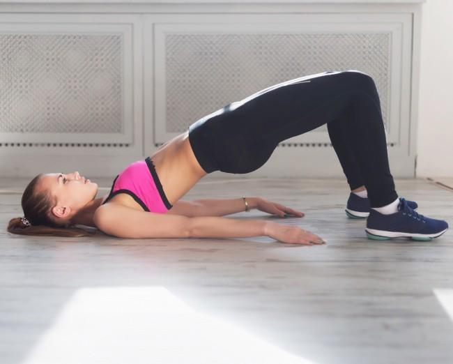 Những tư thế yoga cực đơn giản tại nhà giúp tăng khả năng thụ thai, chị em không thể bỏ qua - Ảnh 1