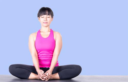 Những tư thế yoga cực đơn giản tại nhà giúp tăng khả năng thụ thai, chị em không thể bỏ qua - Ảnh 3