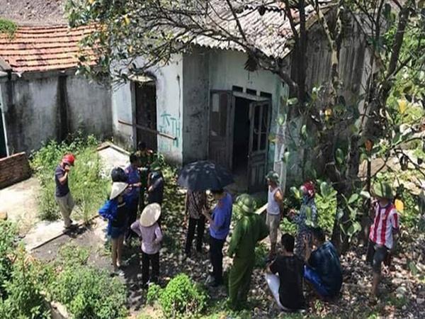 """Phẫn nộ con dâu chở mẹ già về bỏ tại căn nhà hoang ở Cà Mau: """"Tôi không biết sao họ nhẫn tâm vậy"""""""