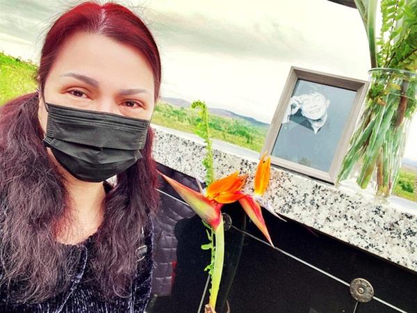 Sau gần 2 tháng ông xã qua đời, ca sĩ Phương Loan khóc nghẹn: 'Bé Heo nhớ anh Tài quá'