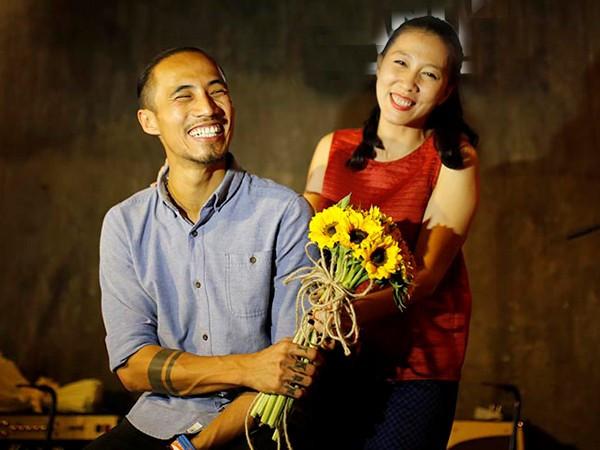 Sau scandal gạ tình, Phạm Anh Khoa giờ đây đã là chồng đảm, ở nhà chăm con, nấu cơm cho vợ