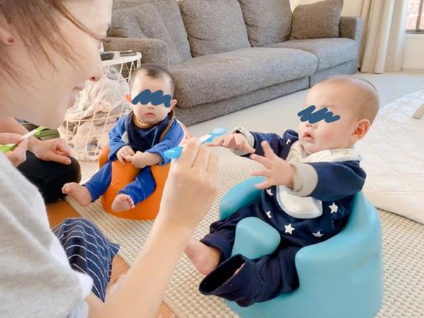 Sau sinh 6 tháng, 'thánh nữ JAV' Aoi Sora khoe loạt khoảnh khắc đáng yêu của cặp quý tử song sinh