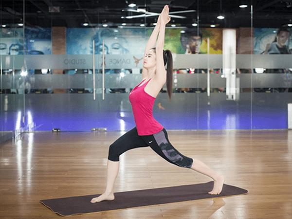 Tập Yoga tại nhà với bài tập đơn giản cho người mới bắt đầu