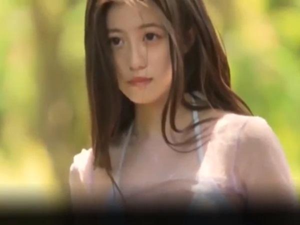 Thiên thần nội y Nhật Bản diện áo 'tàng hình' để lộ vòng 1 ngoại cỡ khiến cánh mày râu chóng mặt