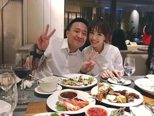 """Trấn Thành """"đào"""" lại bí quyết tán đổ Hari Won, tiết lộ luôn lý do cưới 3 năm nhưng không bao giờ cãi nhau"""