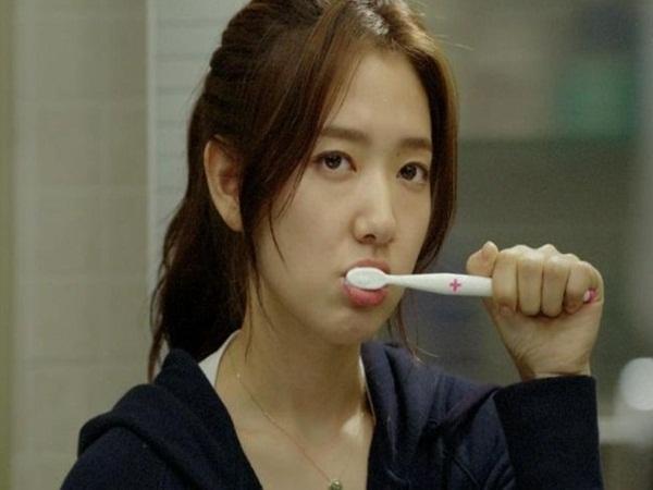 Tưởng khỏe mạnh hóa ra lại mắc nhiều bệnh vì bỏ qua triệu chứng buồn nôn khi đánh răng  - Ảnh 3