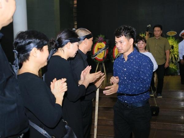 """Xuân Bắc, Trọng Trinh, Quốc Khánh cùng đông đảo nghệ sĩ tới tiễn đưa NSƯT Hoàng Yến """"Của Để Dành"""""""