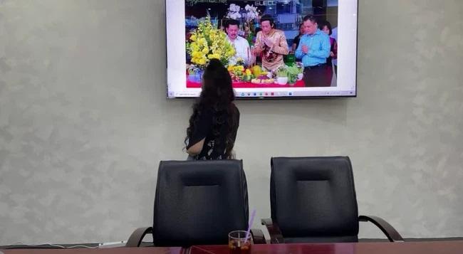"""SỐC: Bà Phương Hằng trưa nay khẳng định """"lỡ đụng rồi thì chạm luôn"""" nghệ sĩ Hoài Linh vì """"có tư duy âm binh giống hệt ông Võ Hoàng Yên' - Ảnh 2"""