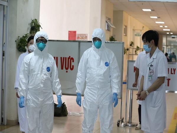 """Phó Giám đốc Sở Y tế Hà Nội: """"Nguồn lây của một số bệnh nhân chưa rõ ràng, trên địa bàn bắt đầu có biểu hiện lây lan ra cộng đồng"""""""
