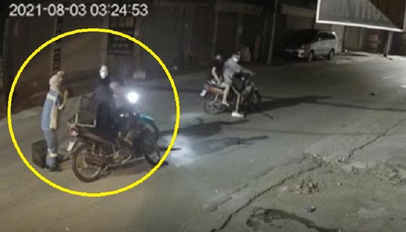 Lời khai gây 'sốc' của 4 kẻ cướp xe máy nữ lao công ở Hà Nội: Mang kiếm trong người, cướp tài sản để lấy tiền tiêu - Ảnh 2