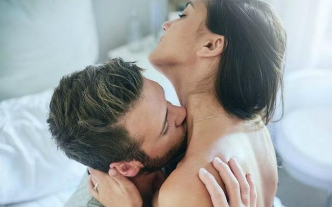 Đôi nam nữ vào viện lúc nửa đêm để kiểm tra tai, hóa ra thủ phạm do một thói quen mà cặp đôi nào cũng làm khi ân ái - Ảnh 1