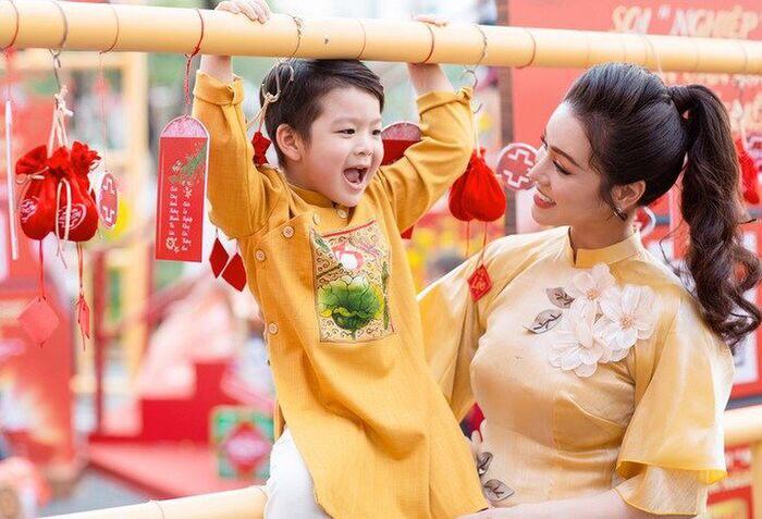Nhật Kim Anh rơi lệ khi nhắc đến chồng cũ, tiết lộ lý do chưa đón con trai về sống cùng - Ảnh 1