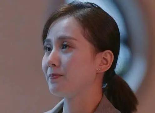 Mỹ nữ, mỹ nam màn ảnh Hoa ngữ đẹp xuất sắc trong tạo hình cổ trang, sang tạo hình hiện đại bị dập 'tả tơi' khiến fan khóc thét - Ảnh 1