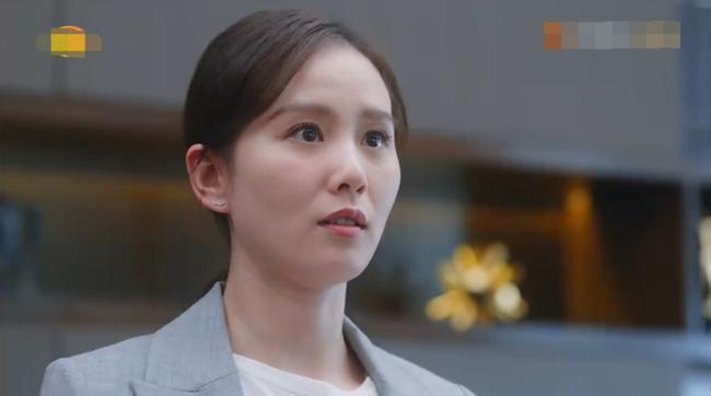 Mỹ nữ, mỹ nam màn ảnh Hoa ngữ đẹp xuất sắc trong tạo hình cổ trang, sang tạo hình hiện đại bị dập 'tả tơi' khiến fan khóc thét - Ảnh 2