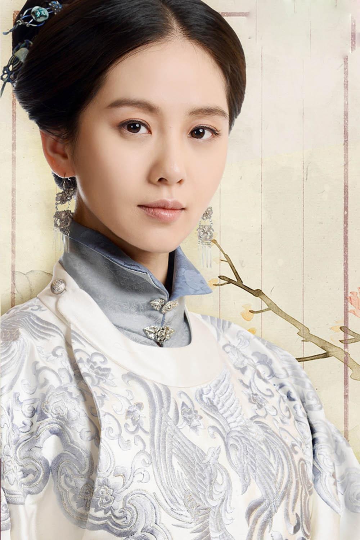 Mỹ nữ, mỹ nam màn ảnh Hoa ngữ đẹp xuất sắc trong tạo hình cổ trang, sang tạo hình hiện đại bị dập 'tả tơi' khiến fan khóc thét - Ảnh 4