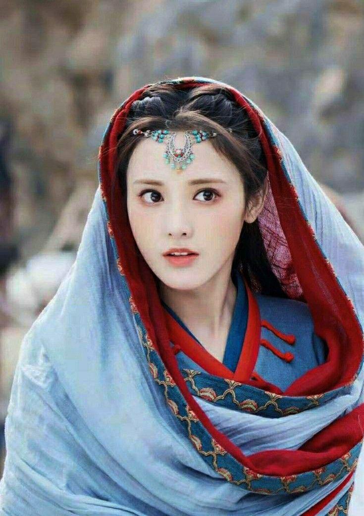 Mỹ nữ, mỹ nam màn ảnh Hoa ngữ đẹp xuất sắc trong tạo hình cổ trang, sang tạo hình hiện đại bị dập 'tả tơi' khiến fan khóc thét - Ảnh 9