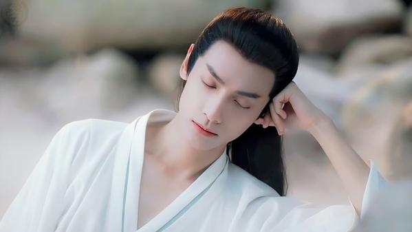 Mỹ nữ, mỹ nam màn ảnh Hoa ngữ đẹp xuất sắc trong tạo hình cổ trang, sang tạo hình hiện đại bị dập 'tả tơi' khiến fan khóc thét - Ảnh 14