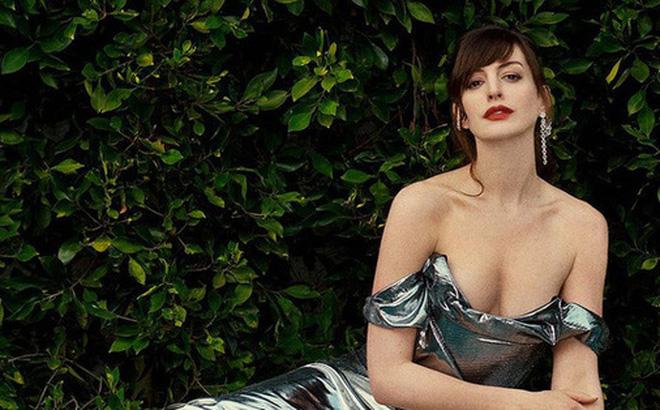 Nữ thần Hollywood có vòng 1 đẹp hoàn hảo tới mức bị nghi là hàng 'fake' - Ảnh 5