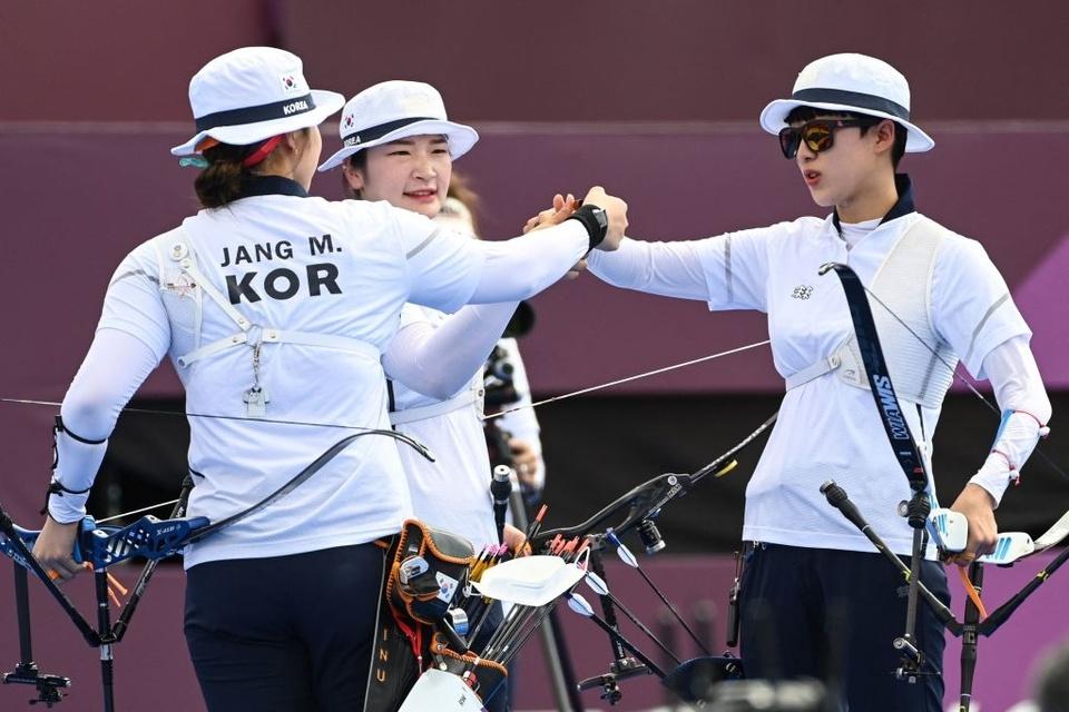Tham gia Olympic 2020: Đội tuyển nữ bắn cung Hàn Quốc yêu cầu BTC bật hit của BTS sau khi giành chức vô địch, nhưng kết quả lại... 'cười ná thở' - Ảnh 3