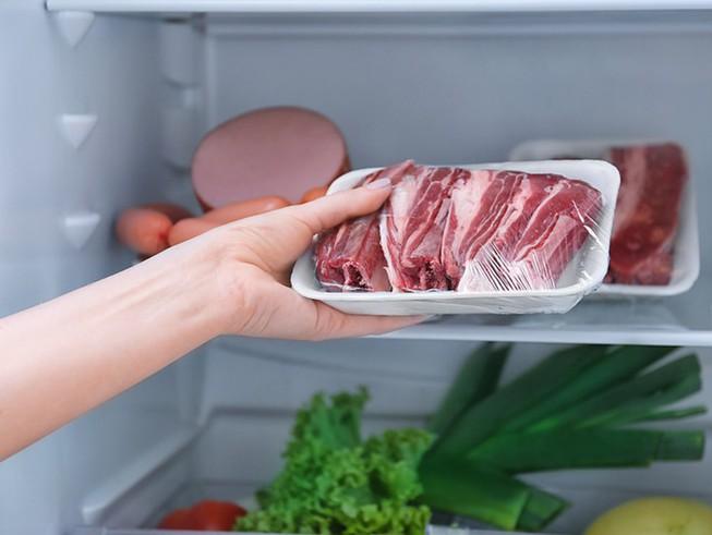 5 sai lầm cấp đông thịt lợn trong tủ lạnh mà người Việt cần bỏ ngay vì dễ sinh vi khuẩn gây bệnh hoặc làm lãng phí dinh dưỡng món ăn - Ảnh 4