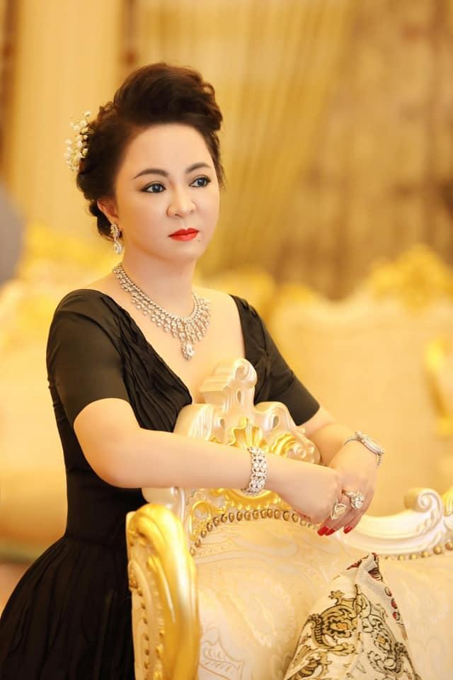 Ảnh cực hiếm: Quá trình hô biến từ 'em gái Tiểu Yến Tử' thành chị đại phố thị của chủ series giấc mơ Phương Hằng - Ảnh 13