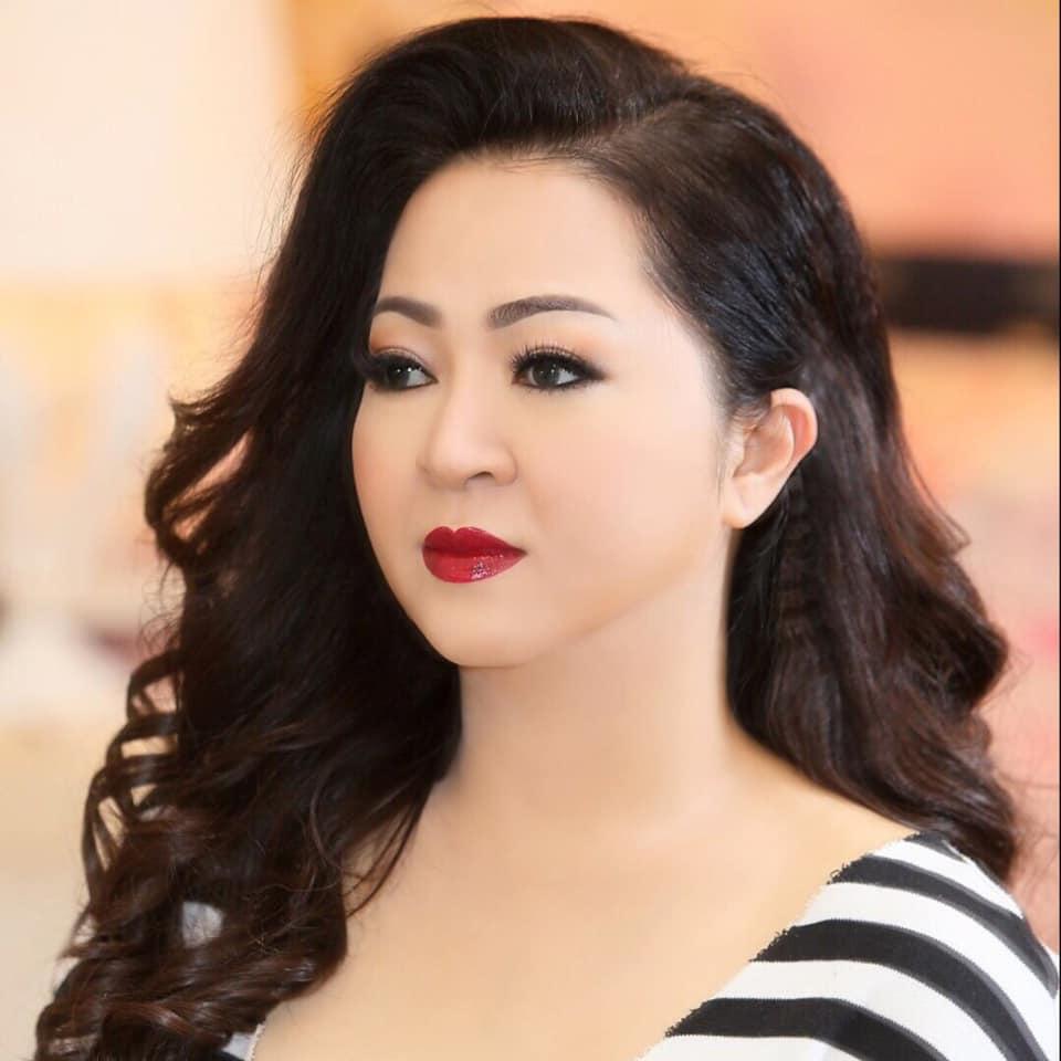 Ảnh cực hiếm: Quá trình hô biến từ 'em gái Tiểu Yến Tử' thành chị đại phố thị của chủ series giấc mơ Phương Hằng - Ảnh 14