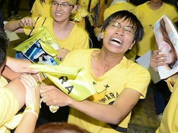 Thánh 'ngoác mồm, nhe răng' cuồng K-Pop đến mức nổi hơn sao châu Á 9 năm trước giờ ra sao? - Ảnh 2