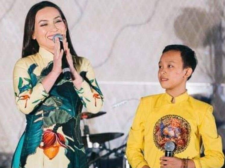 Quản lý của Ngô Kiến Huy tiết lộ '8 sự thật' về mối quan hệ Phi Nhung và Hồ Văn Cường
