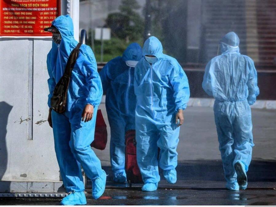 Một người nhiễm Covid-19 trèo tường trốn khỏi khu điều trị ở Bắc Giang, đón xe khách đi Hà Giang