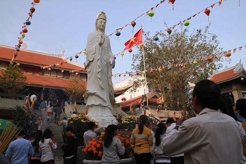 Cách đi lễ chùa đầu năm