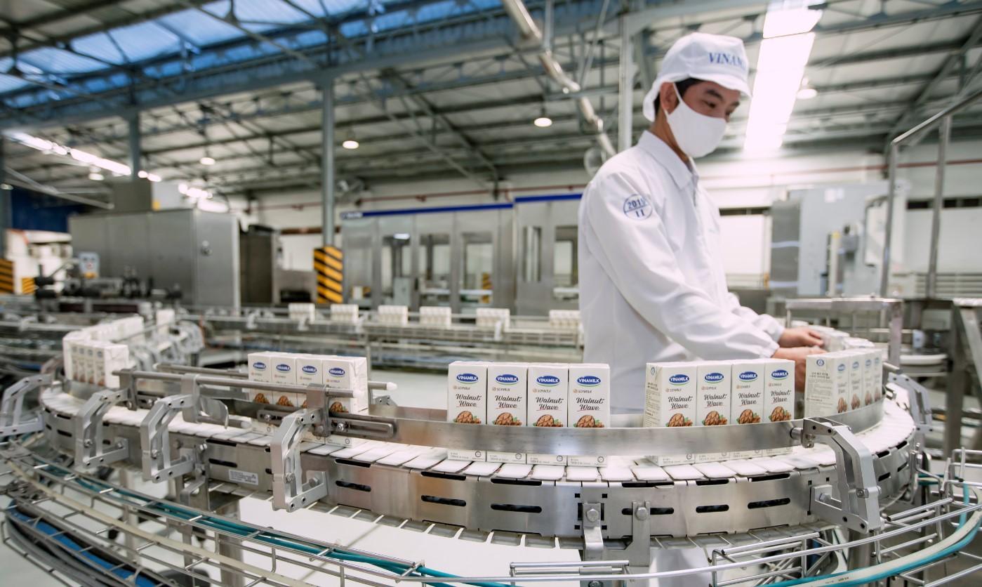 Hệ thống 'khủng' 13 nhà máy là nội lực giúp Vinamilk duy trì vị trí dẫn đầu thị trường sữa nhiều năm liền - Ảnh 7