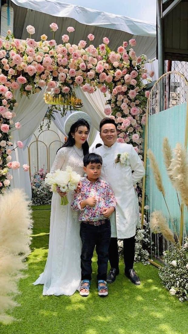 Giữa sóng gió thị phi, bà Nguyễn Phương Hằng và đại gia Dũng 'lò vôi' bí mật tổ chức hôn lễ cho con trai - Ảnh 1