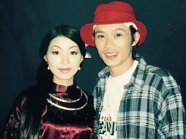 Ngoài Phi Nhung, có một người phụ nữ mong chung sống trọn đời với Hoài Linh