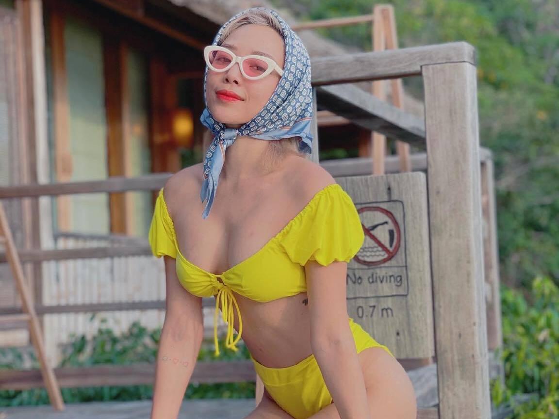 Tóc Tiên: Biểu tượng sexy của làng nhạc Việt, diện 1001 kiểu bikini khiến dân mạng 'xịt máu mũi' vì đường cong bốc lửa