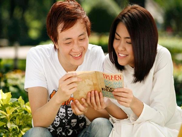 Sau 8 năm lấy chồng sinh con, Hà Tăng bất ngờ trước phản ứng của khán giả khi gặp mình ngoài đời