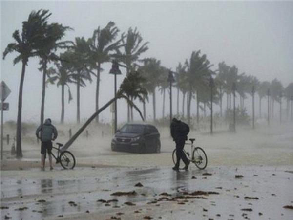 Áp thấp có thể mạnh lên thành bão sắp vào Biển Đông, gây mưa lớn ở Bắc Bộ, Bắc Trung Bộ