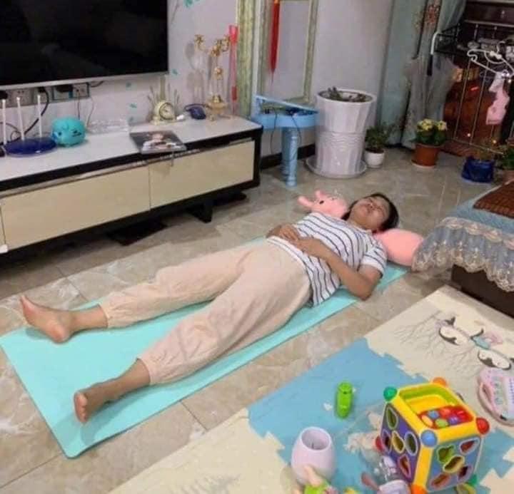Bà mẹ hướng dẫn cách lấy lại vòng eo con kiến thần tốc sau sinh, bước cuối cùng 'dễ như ăn bánh' chị em vừa cười ngặt nghẽo vừa kháo nhau thực hiện - Ảnh 5