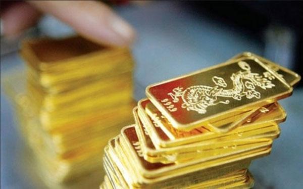 Giá vàng hôm nay 12/3: Tín hiệu Mỹ - Triều đẩy vàng tụt dốc - Ảnh 1