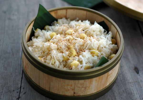 Mách mẹ cách nấu xôi dừa bằng nồi cơm điện đơn giản, thơm ngon nhất - Ảnh 1