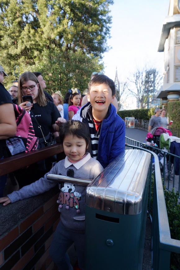 Vợ chồng Jennifer Phạm đưa Bảo Nam đi chơi ở Mỹ trước ngày về Việt Nam - Ảnh 3