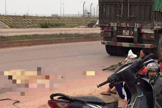 Xe đầu kéo cán tử vong người phụ nữ đi xe đạp từ phía sau - Ảnh 1