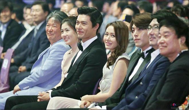 Lộ ảnh Hyun Bin - Son Ye Jin hẹn hò ở Pháp? - Ảnh 5