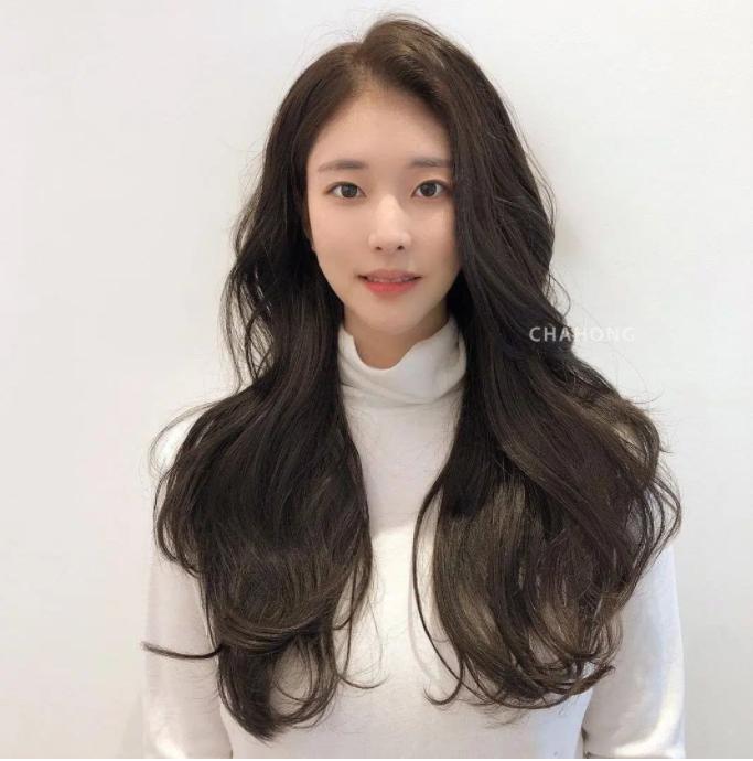 5 trend tóc dài đang hot nhất ở các tiệm Hàn Quốc lúc này, đặt ngay lịch cắt để trẻ ra 5 tuổi là ít - Ảnh 1