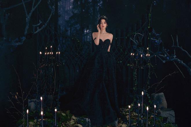 Màn bùng nổ visual gây bão Cbiz hôm nay: Quan Hiểu Đồng hoá công chúa bóng đêm, visual lẫn thần thái 'đỉnh của chóp' - Ảnh 7