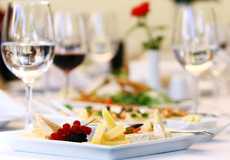 Nghiên cứu trên 300.000 người: Nguy cơ tử vong cao nếu uống rượu mà không ăn kèm món này - Ảnh 3