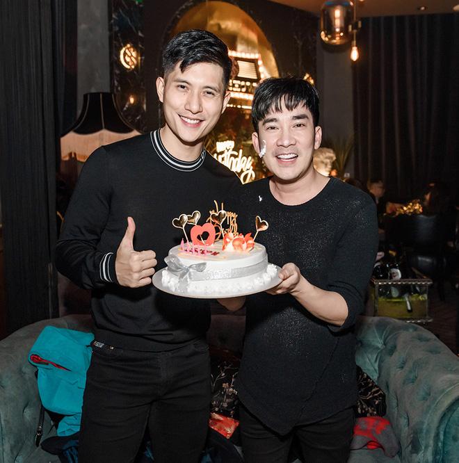 Lệ Quyên và tình trẻ Lâm Bảo Châu công khai kề cận tại sinh nhật Quang Hà, nhìn biểu cảm đủ biết hạnh phúc thế nào! - Ảnh 3